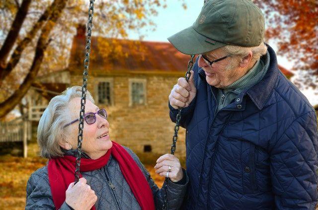 Biar Gak Menyesal, 5 Alasan Jangan Meremehkan Nasihat dari Orangtua