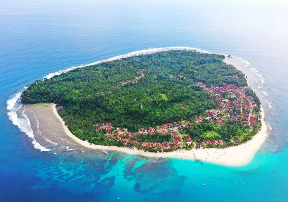 5 Informasi Penting Mengenai Pulau Pisang, Mirip Buah Pisang!