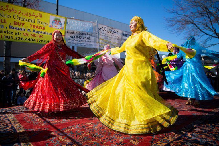 9 Tradisi Unik Perayaan Musim Semi dari Berbagai Negara di Dunia