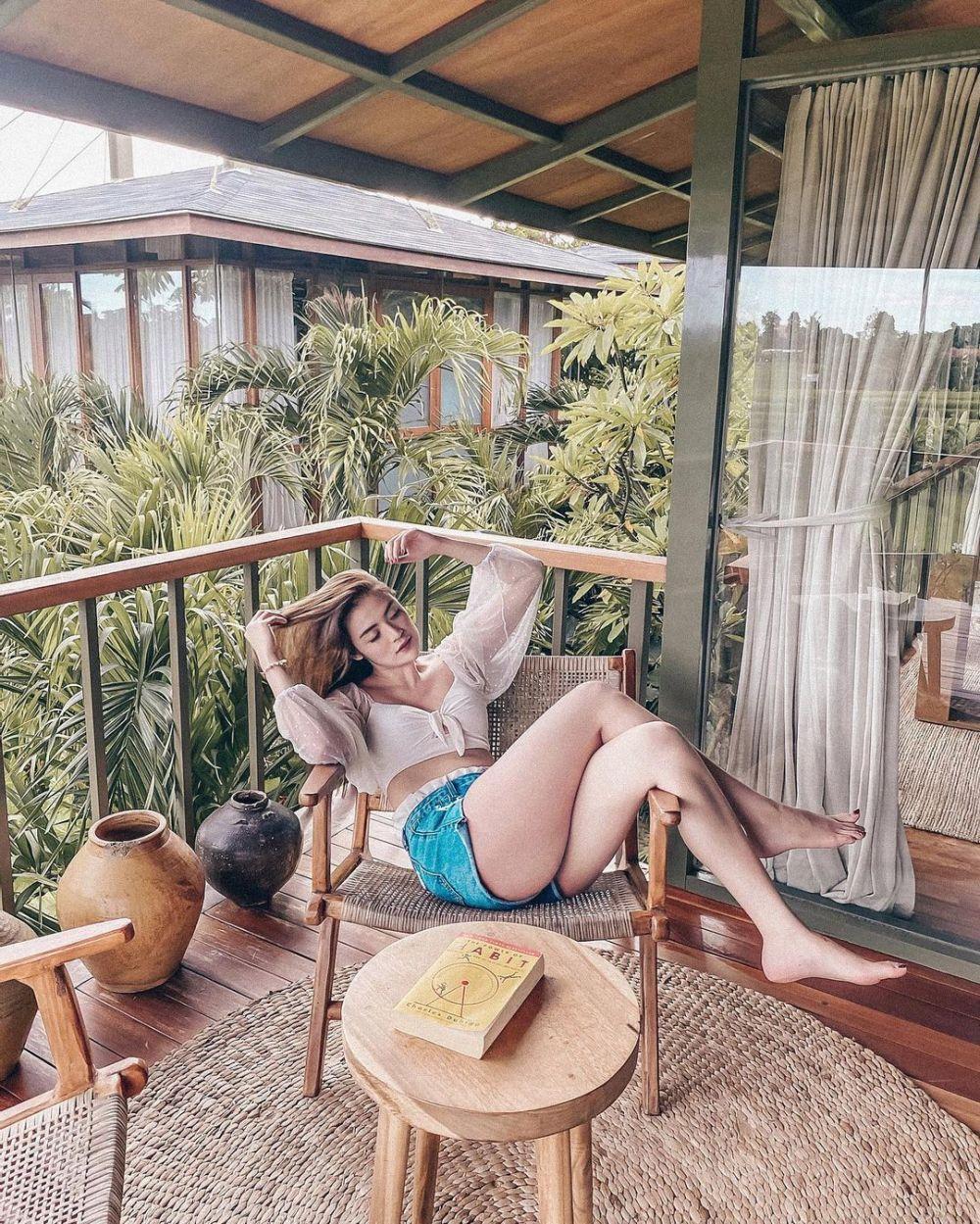 Pamer Body Goals, 10 Potret Honeymoon Sylvia Genpati di Bali