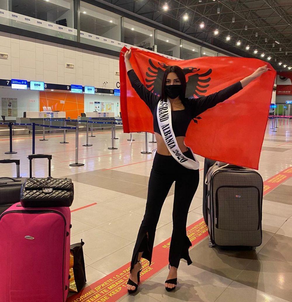 Road to Miss Grand 2020! 30 Potret Keberangkatan Kontestan ke Thailand