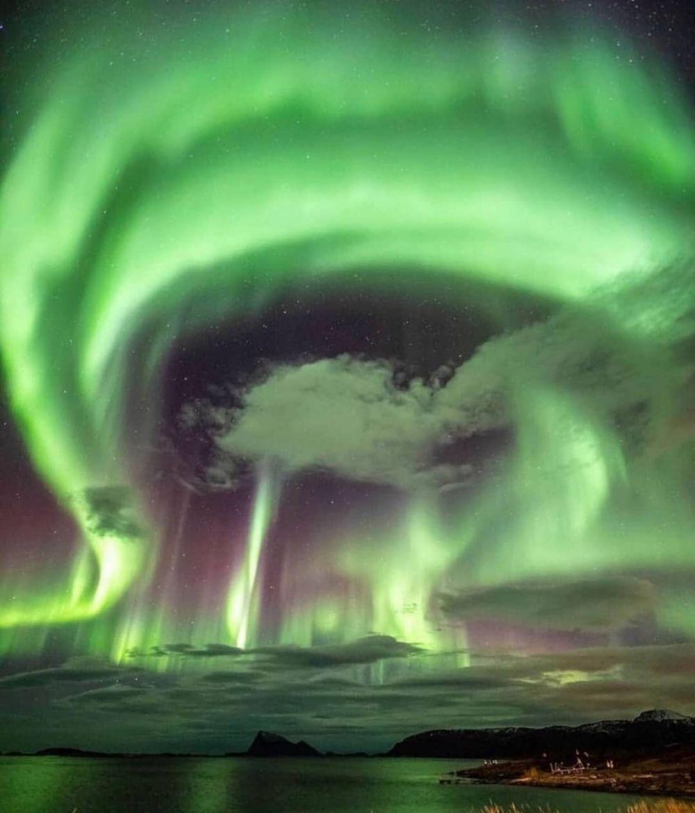 9 Potret Pesona Aurora di Kota Tromsø-Norwegia yang Begitu Memukau
