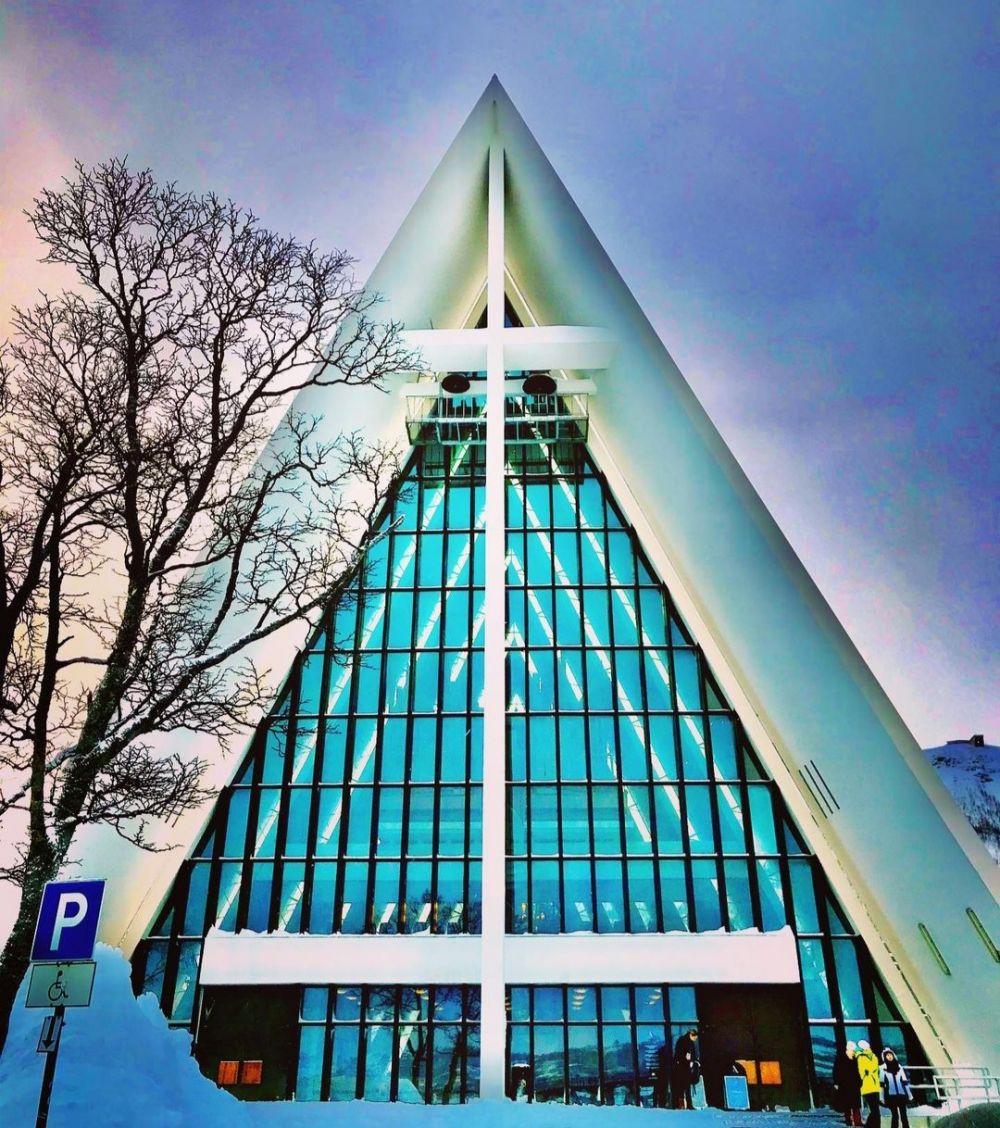 9 Fakta Katedral Arktik di Norwegia, Gereja Unik Berbentuk Segitiga