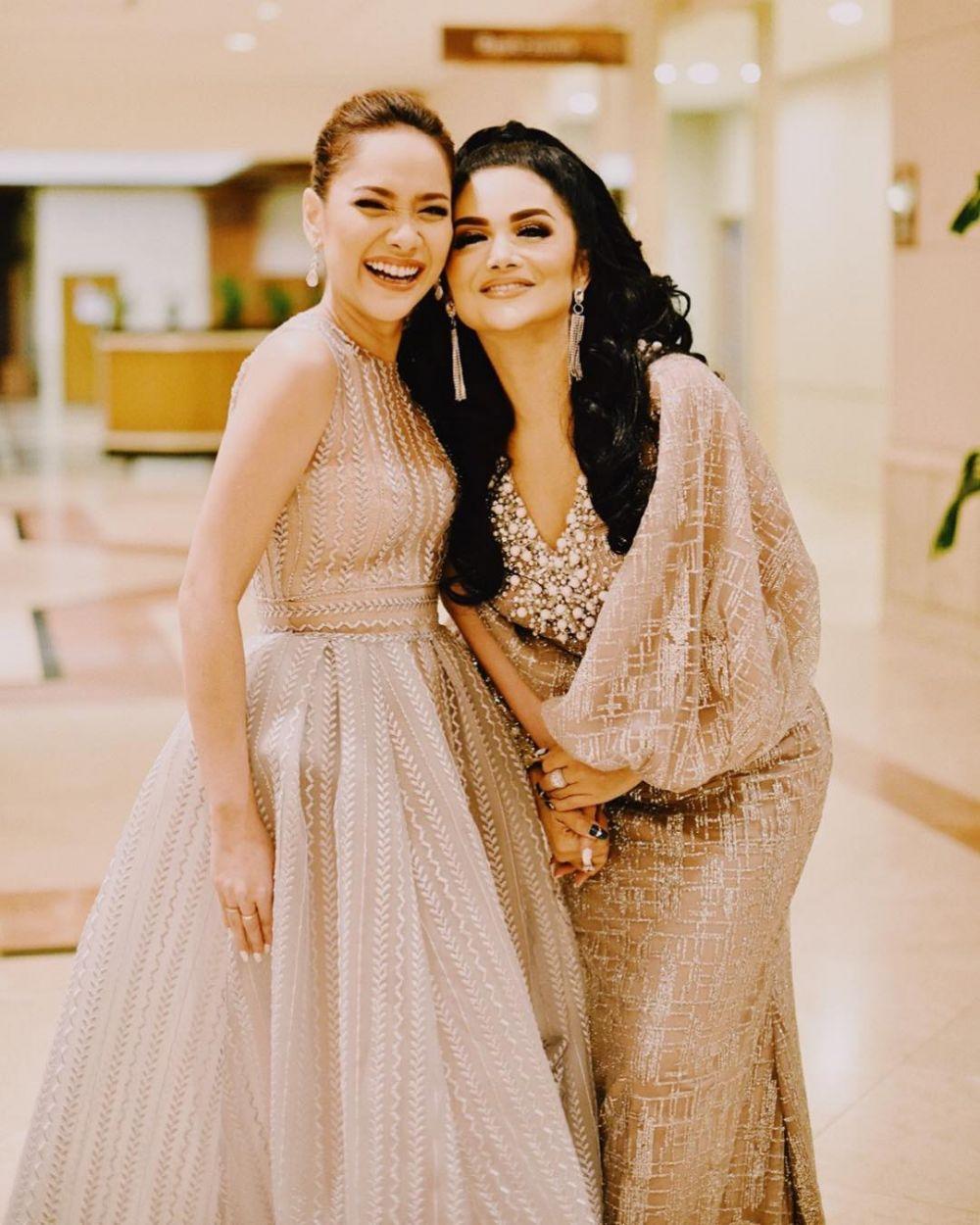 Sahabat, 9 Potret Akrab Bunga Citra Lestari bersama Penyanyi Indonesia