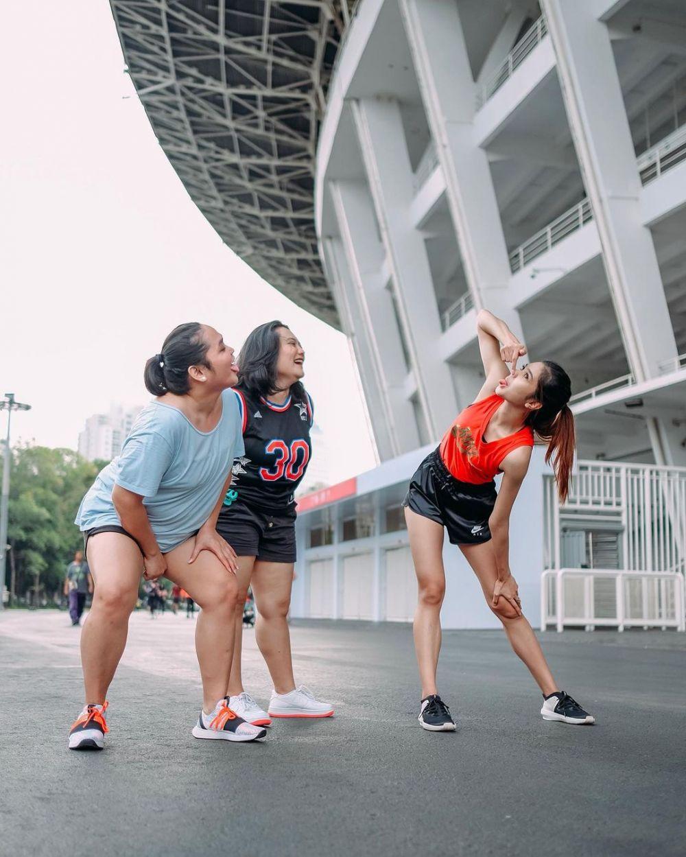 Punya Body Goals, 9 Potret Menawan Mikha Tambayong Saat Workout