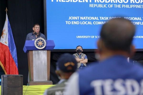 Duterte Perintahkan 'Tembak dan Bunuh' Pemberontak Komunis