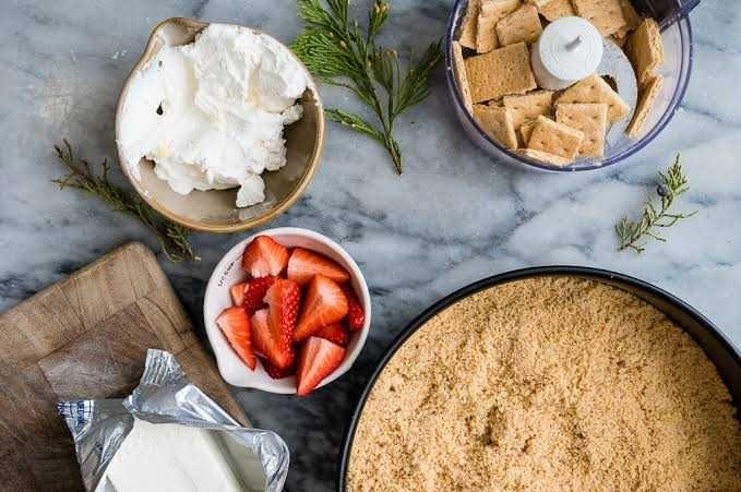 Resep Cheesecake Selai Stroberi, Bisa Jadi Teman Ngopi di Sore Hari