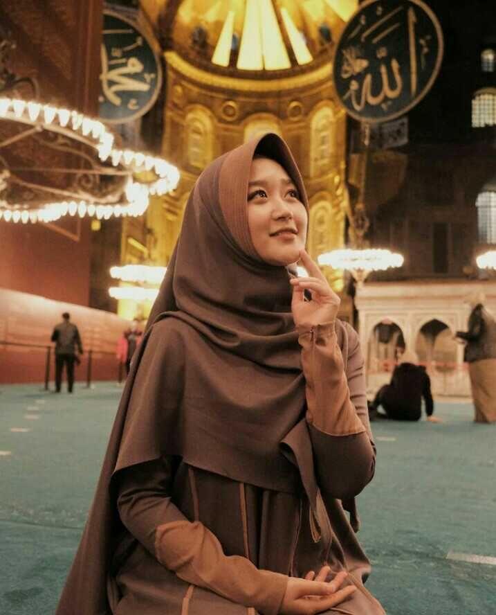 10 Potret Manis Kayla Nadira, Selebgram Hafal Al-Qur'an Jadi Mama Muda