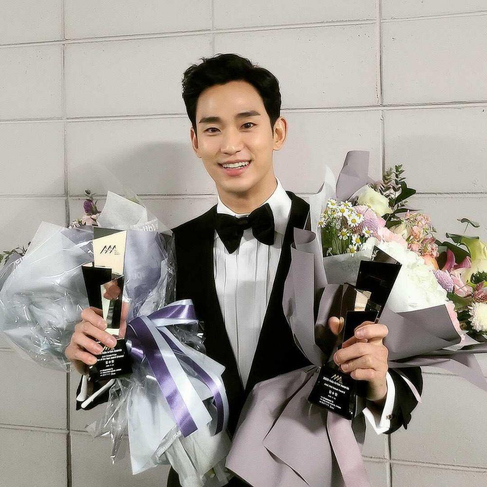 Main Drama Baru, 10 Potret Kim Soo Hyun Buktikan Aktor Termahal Korea
