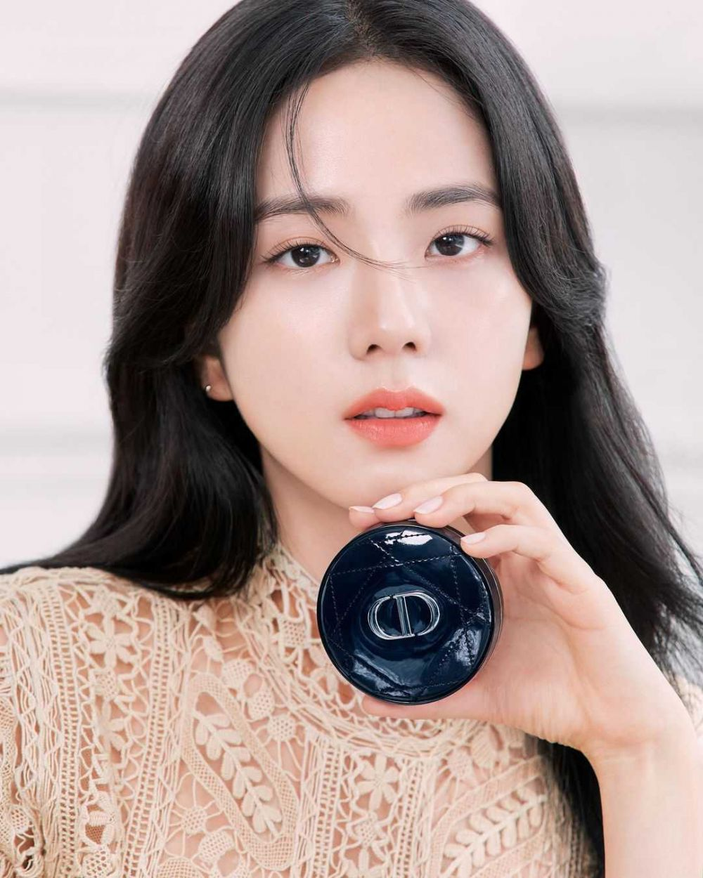 Resmi Jadi Duta Global Dior, 9 Potret Close Up Terbaru Jisoo BLACKPINK