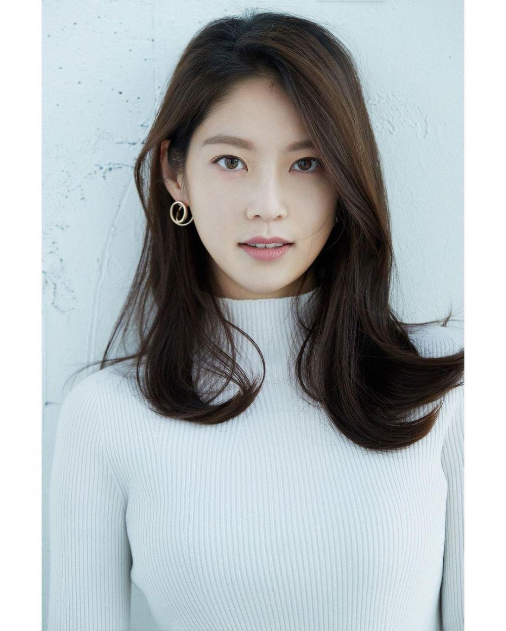 10 Fakta Gong Seung Yeon yang Debut Layar Lebar di Film 'Aloners'