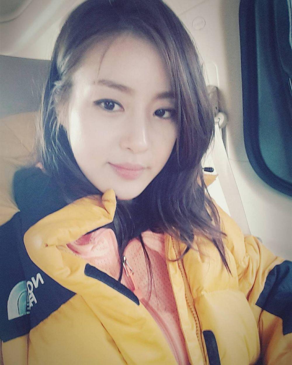 Resmi Jadi Ibu, 9 Transformasi Aktris Kang Sora yang Semakin Memesona