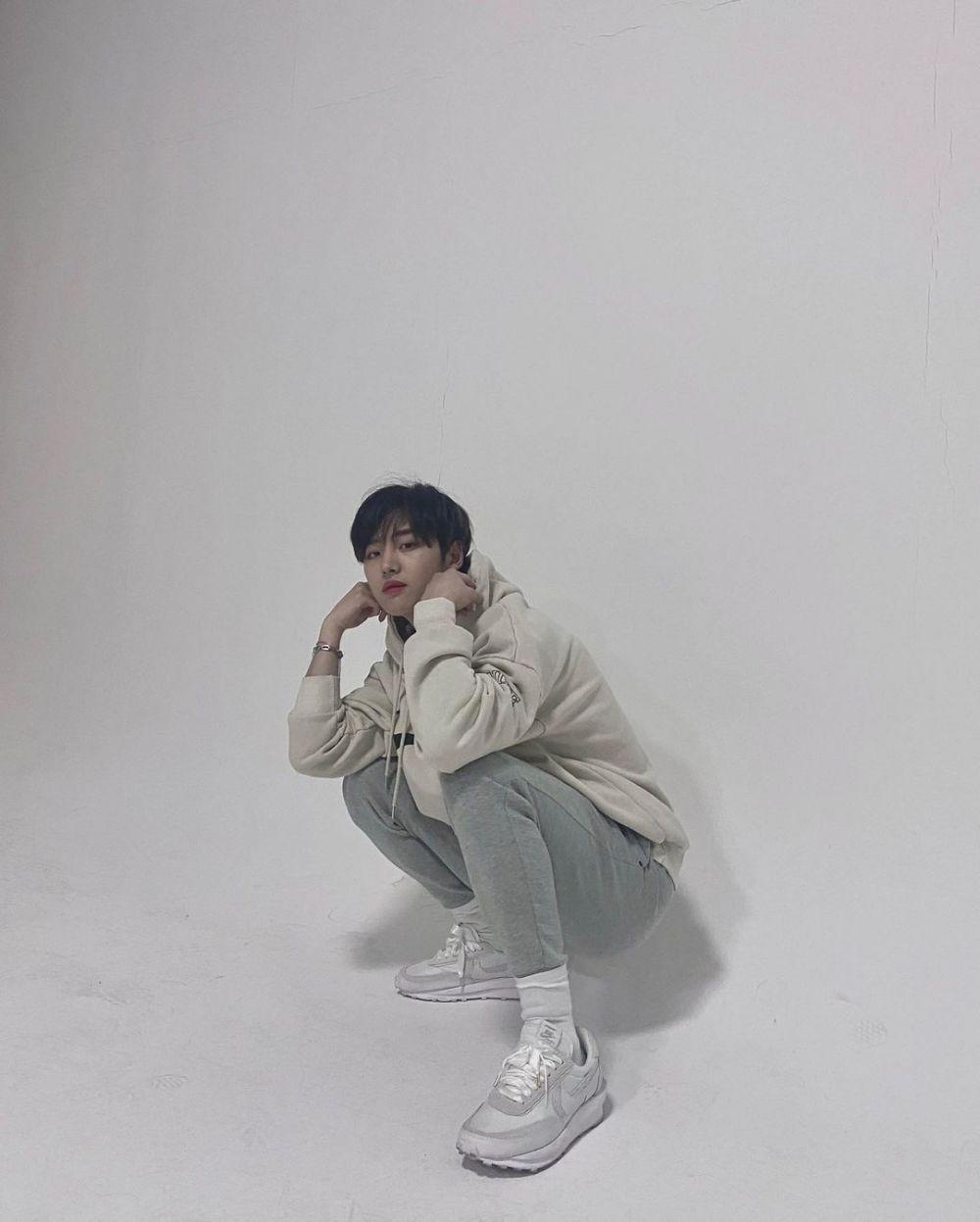 10 Potret Hongseok PENTAGON, Lawan Main Yeri Red Velvet di Web Drama