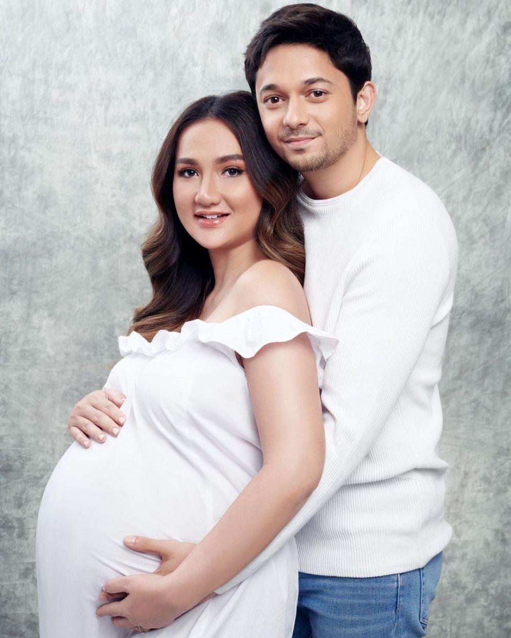 Calon Mama Idaman, 10 Potret Maternity Shoot Tengku Dewi Putri