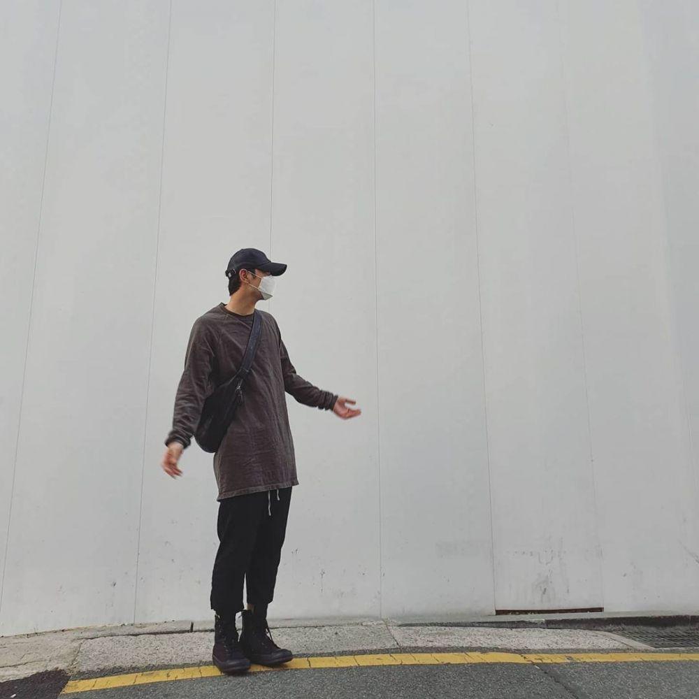 Buka Akun Resmi, 9 Potret Keren Chansung 2PM di Instagram Barunya