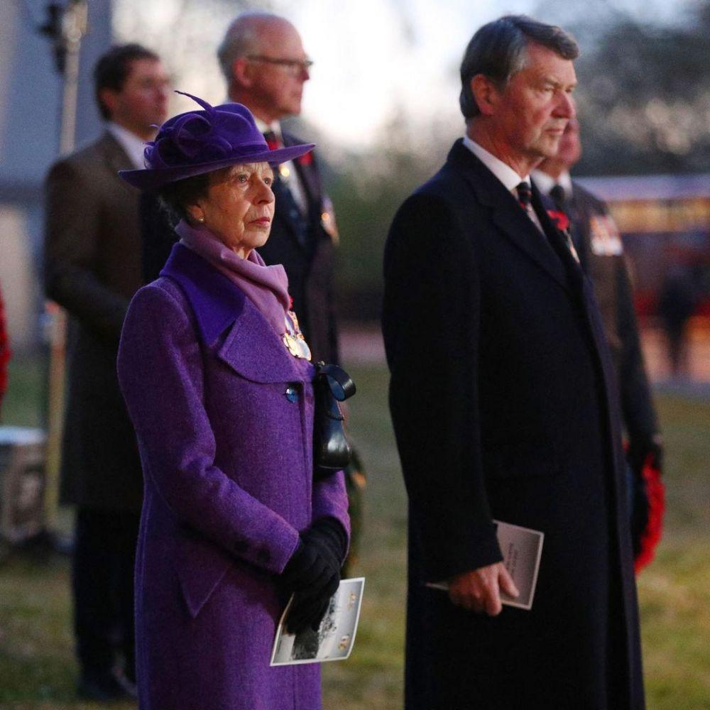10 Foto Anggota Kerajaan Inggris Bertugas setelah Prince Philip Wafat