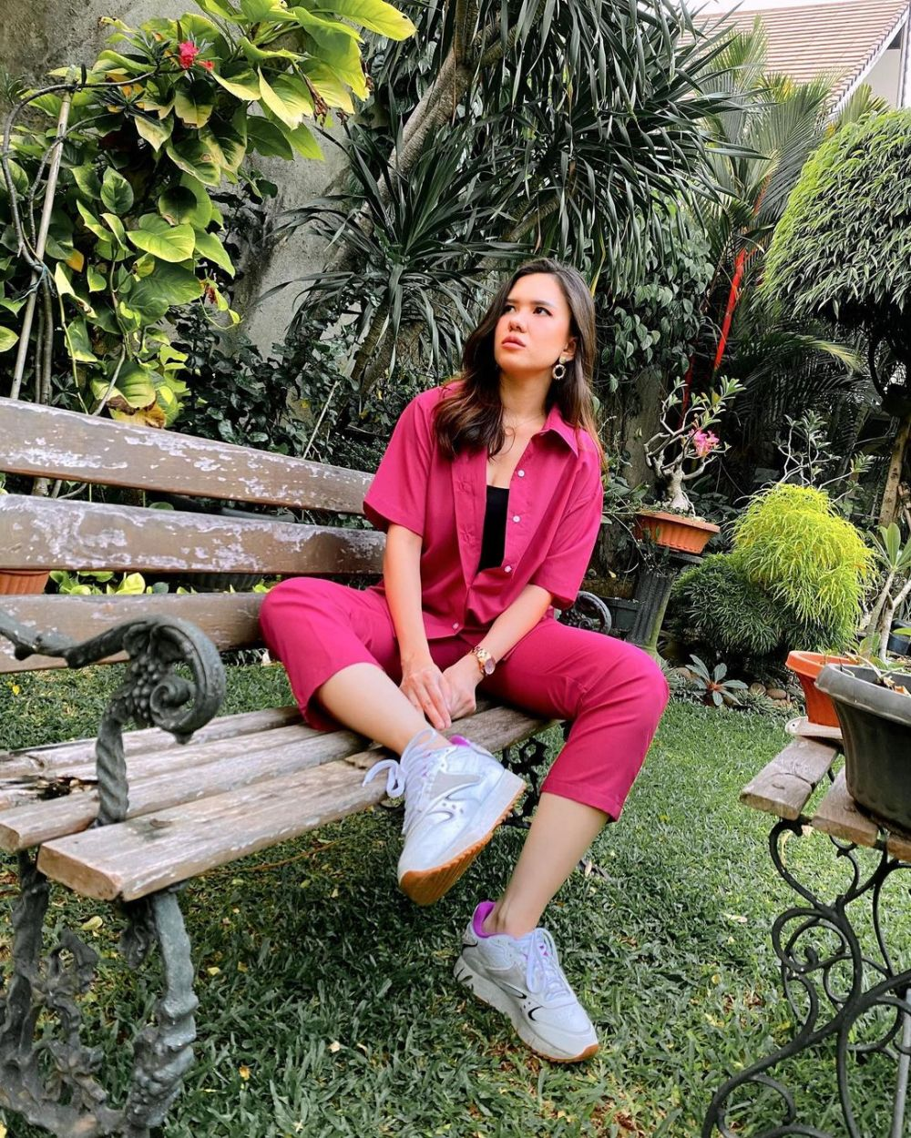 10 Potret Manis Michelle Joan Kenakan Outfit Pink