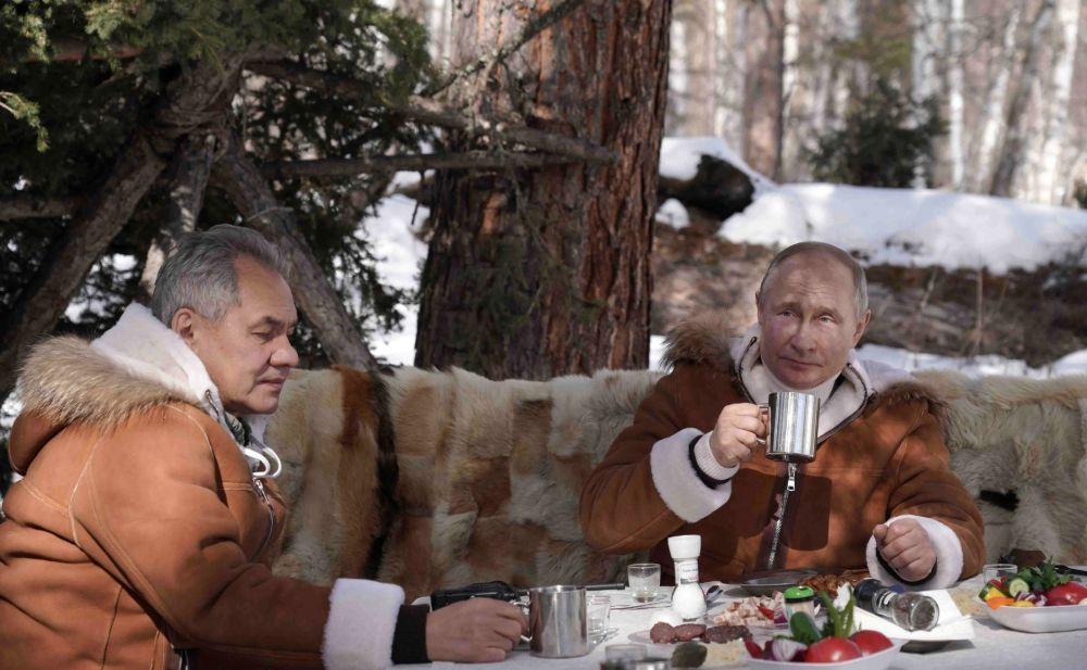 Rusia Tarik Pasukan dari Perbatasan Ukraina dan Krimea