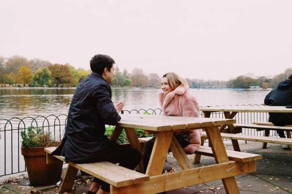 5 Alasan yang Sebaiknya Gak Kamu Jadikan Dasar untuk Menerima Cintanya
