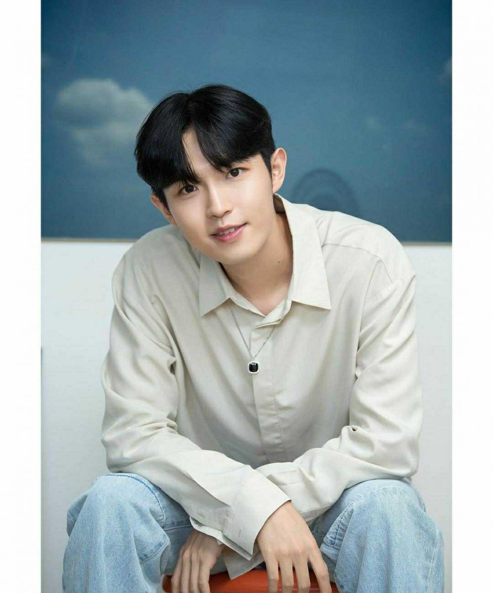Comeback Solo, 10 Potret Memukau Kim Jae Hwan di Album Terbaru