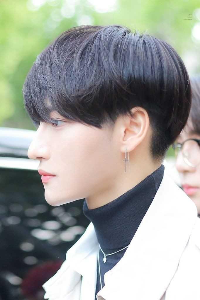 9 Potret Side Profile Seonghwa ATEEZ, Menawan dari Berbagai Sisi