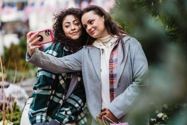 5 Ciri Teman yang Benar-benar Sayang dan Peduli Padamu, Pertahankan!