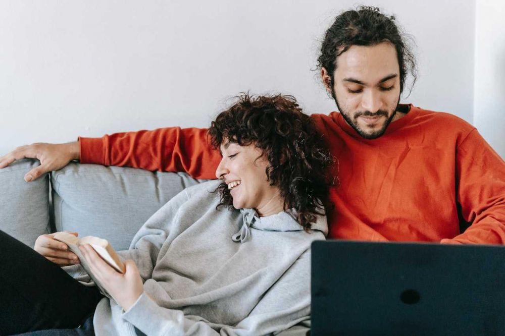 6 Kebiasaan Ini Harus Ditinggalkan Setelah Kamu Menikah, Mengapa?