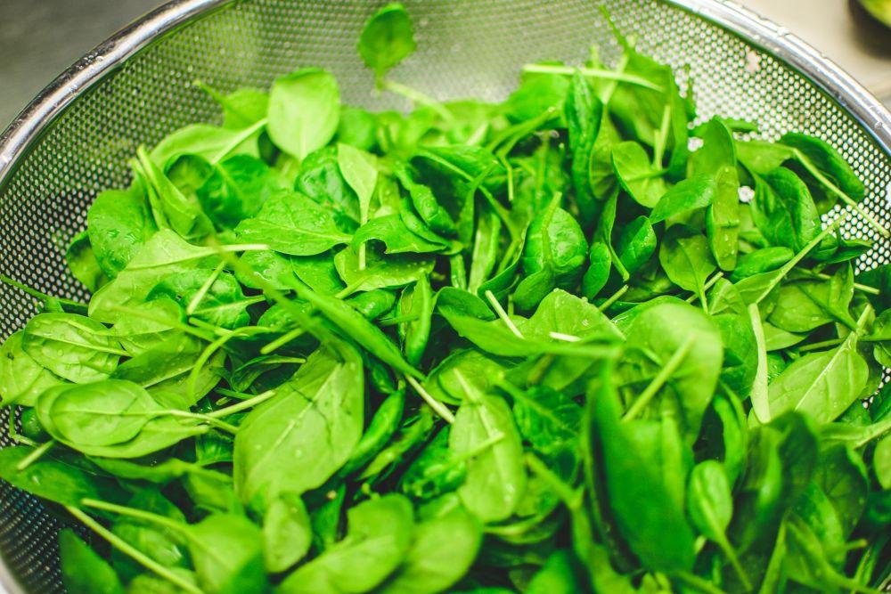 Resep Membuat Sayur Bening Bayam, Masakan Nikmat Kaya Gizi