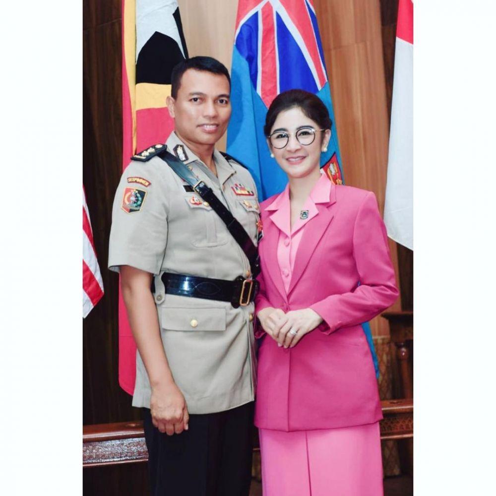 Istri Perwira Polisi, 9 Pesona Uut Permatasari Pakai Baju Bhayangkari