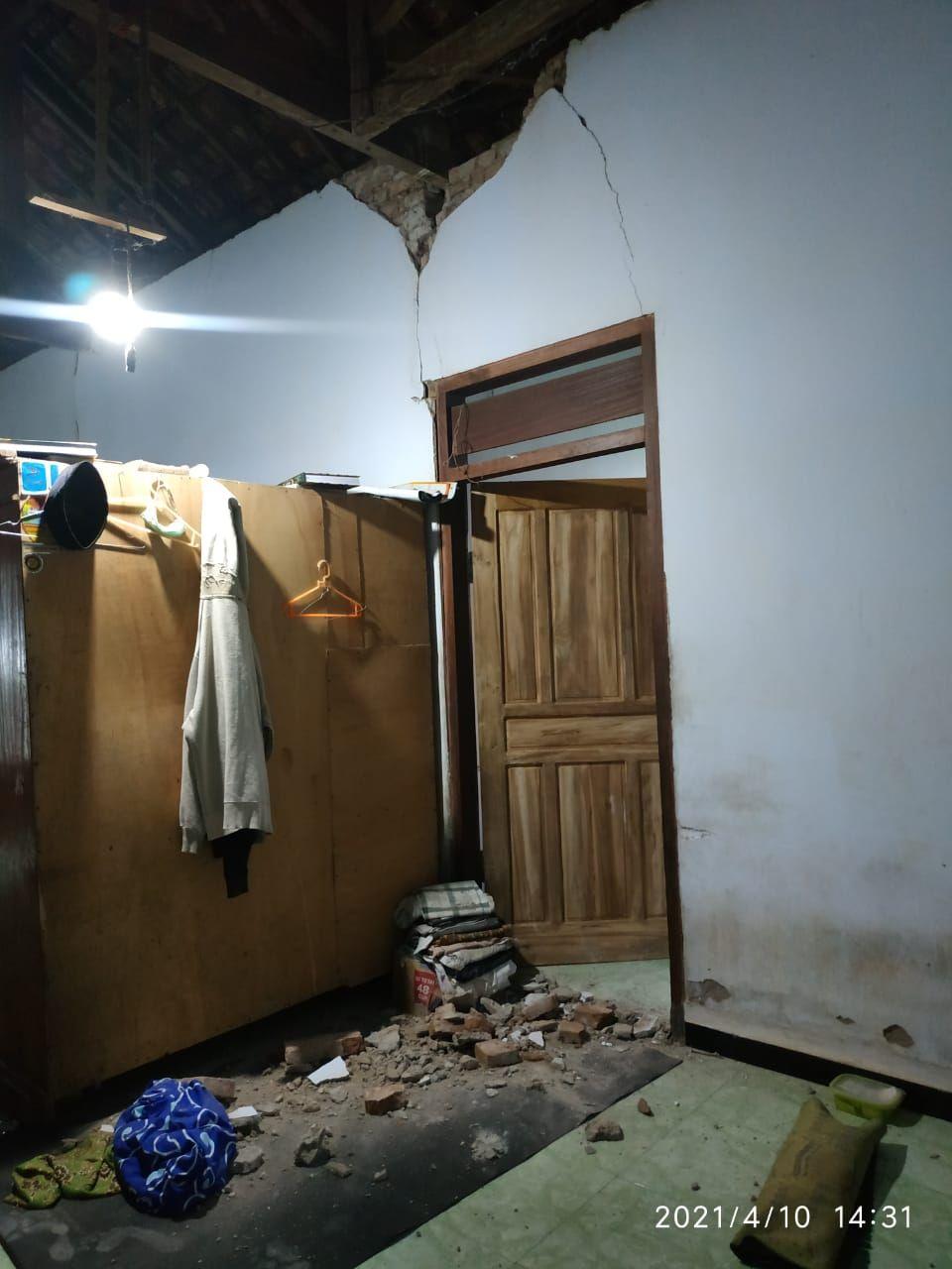 Imbas Gempa, Masjid hingga Rumah di Tulungagung Rusak Parah