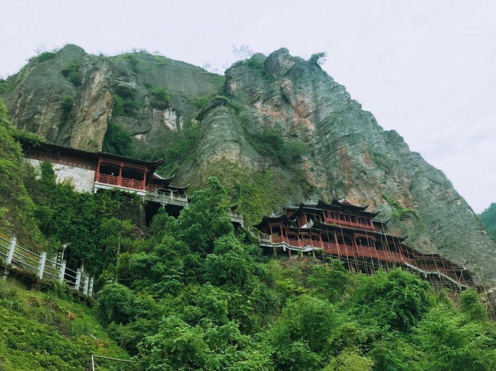 7 Kuil Gantung di China, Miliki Arsitektur Unik dan Estetik