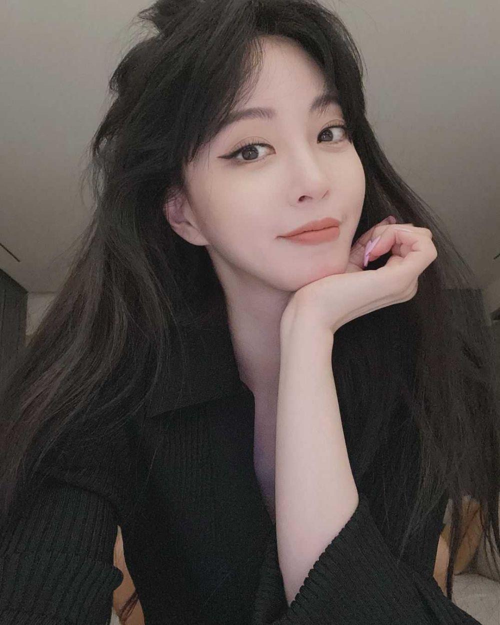 Konfirmasi Drama Baru, 10 Potret Han Ye Seul yang Menolak Tua