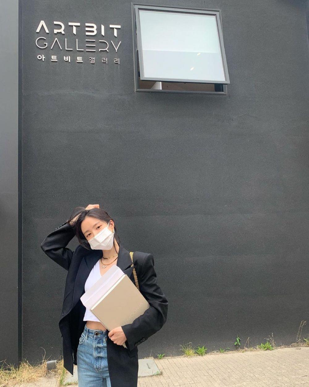 Gabung di YG Entertainment, Ini 9 Potret Naeun Apink yang Menawan