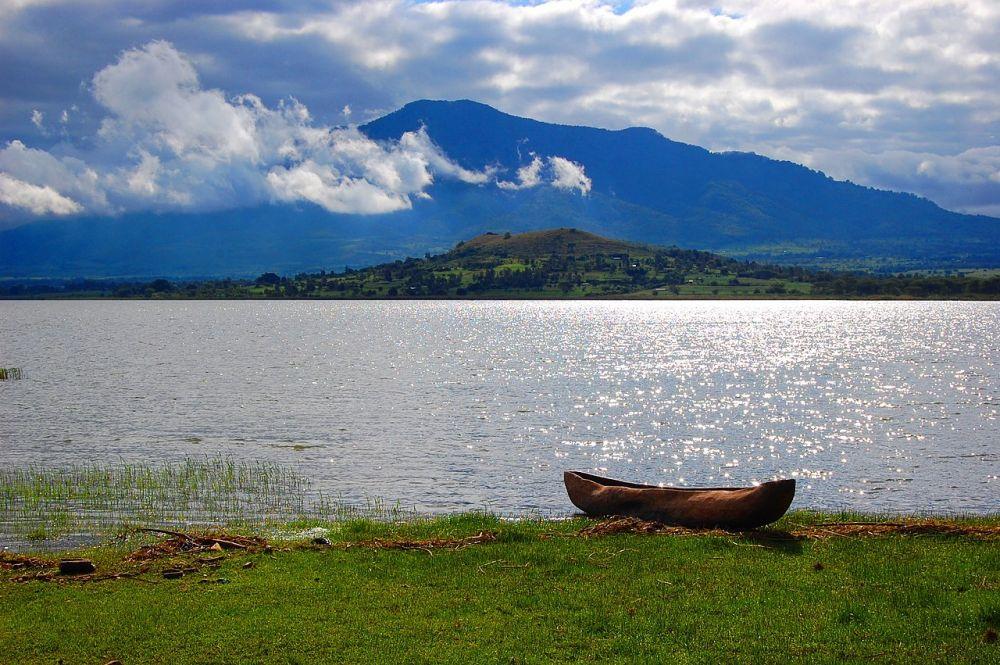 8 Danau Unik di Tanzania, Mengandung Alkali hingga Ditinggali Kuda Nil