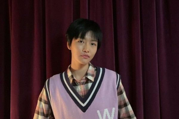 10 Potret Joo Bo Young, Sahabat Go Min Si di Youth of May