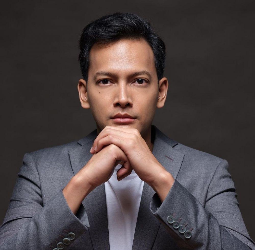 Sedih Banget, 10 Aktor Indonesia yang Pernah Menjadi Sad Boy di Film