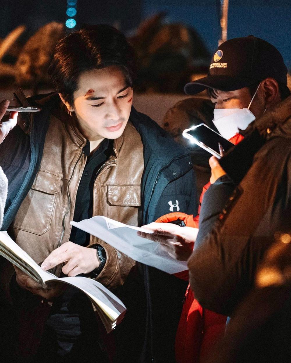 9 Potret Kece Song Seung Heon di Drama Korea Voice 4