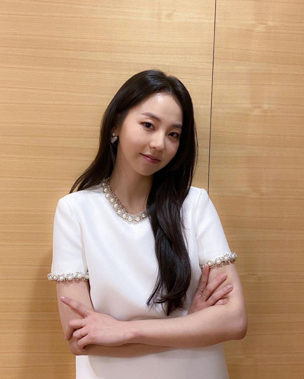 9 Aktris yang Pernah Beradu Akting dengan Kim Seon Ho, Ada Bae Suzy