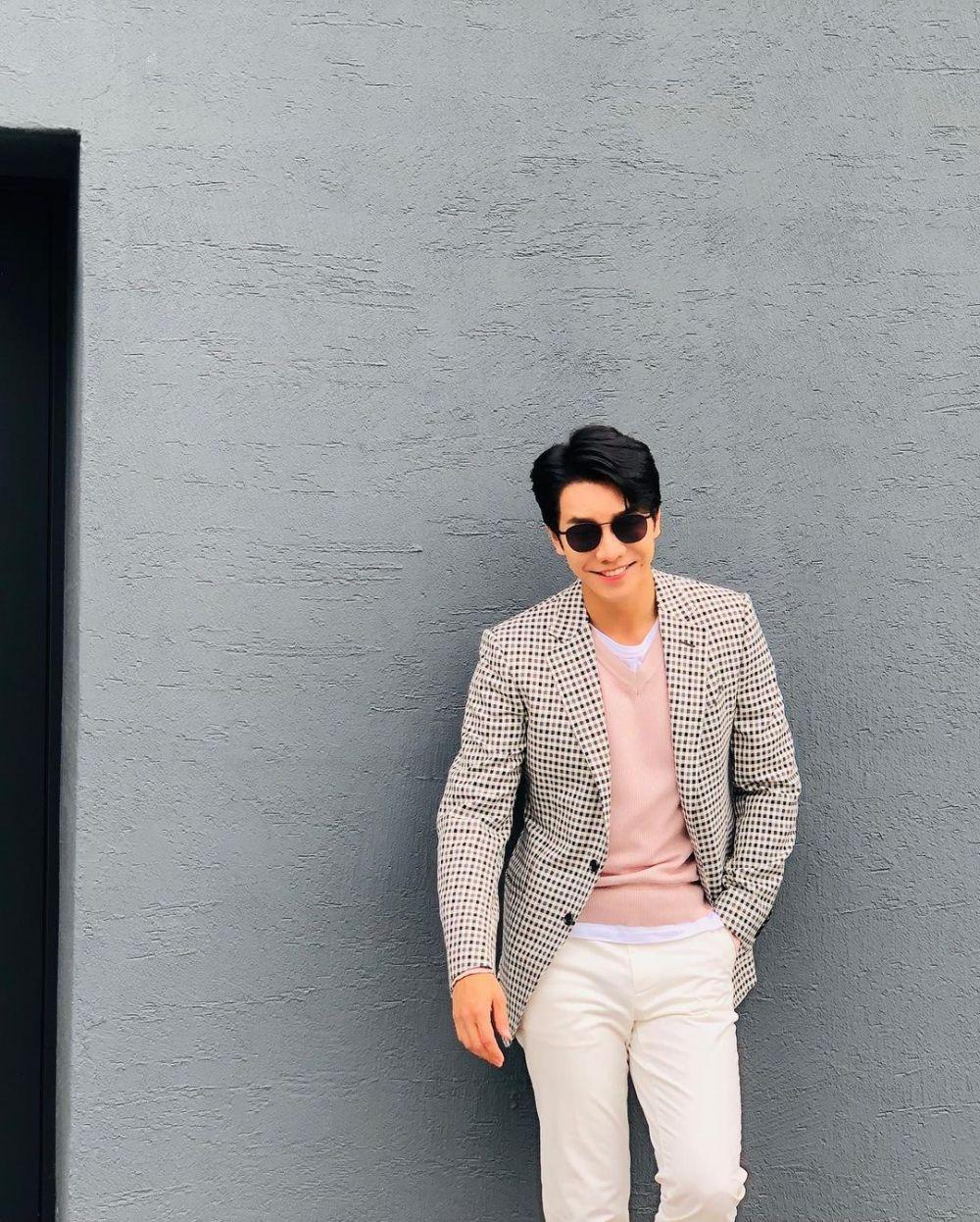9 Inspirasi Style Kencan Simpel ala Lee Seung Gi yang Mudah Ditiru!