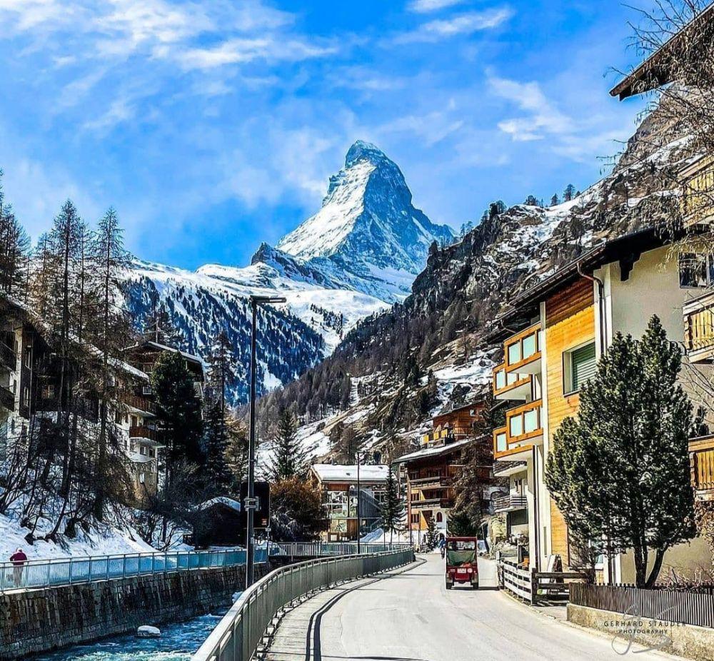 7 Wisata Alam dengan Pemandangan Paling Menakjubkan di Swiss