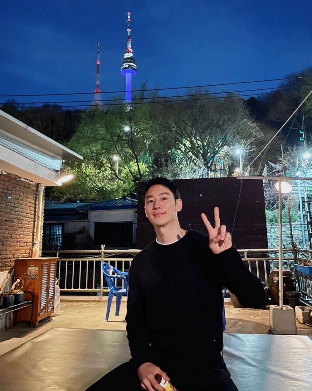 Dirikan Agensi, 12 Fakta Menarik Lee Je Hoon di Dunia Entertainment
