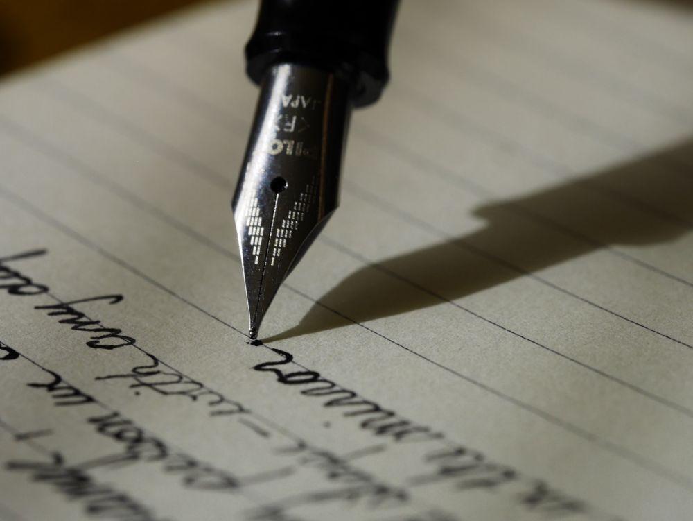 9 Kesalahan Berbahasa Indonesia yang Biasa Dilakukan Saat Menulis