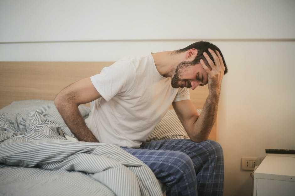 Susah Tidur Meski Badan Capai? Ini 5 Penyebabnya