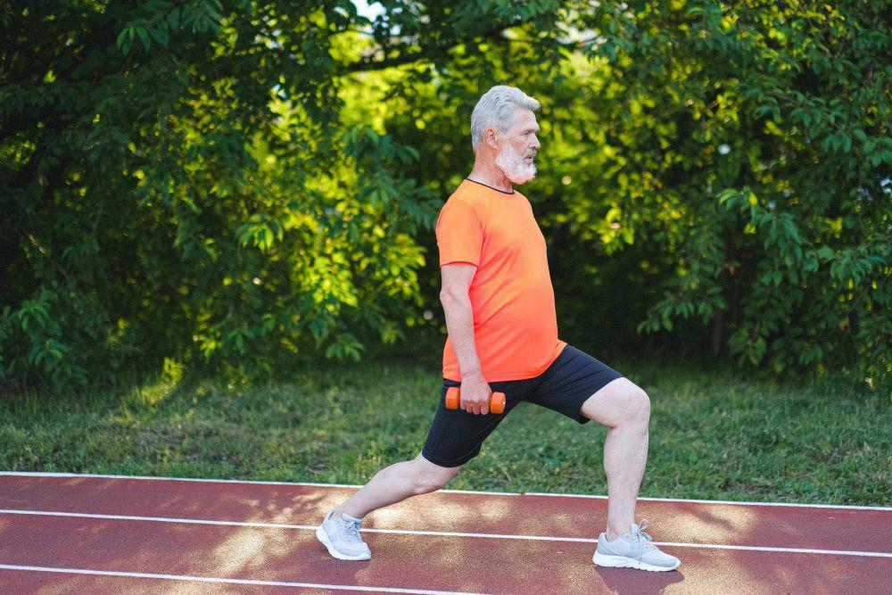 Baik untuk Tubuh, Ini 5 Manfaat Melakukan Lunges Setiap Hari