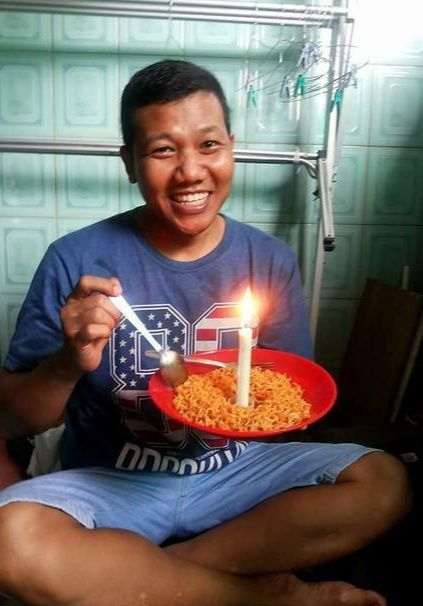 10 Potret Kocak Kue Ulang Tahun dari Mi, Tertarik buat Bikin Juga?
