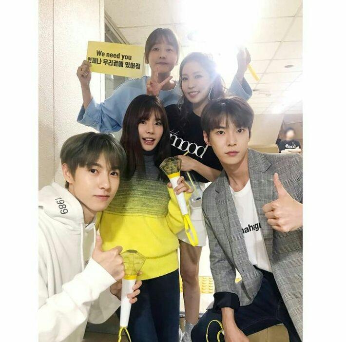 13 Potret Kebersamaan NCT Dream Bareng Senior SM, Family Goals!