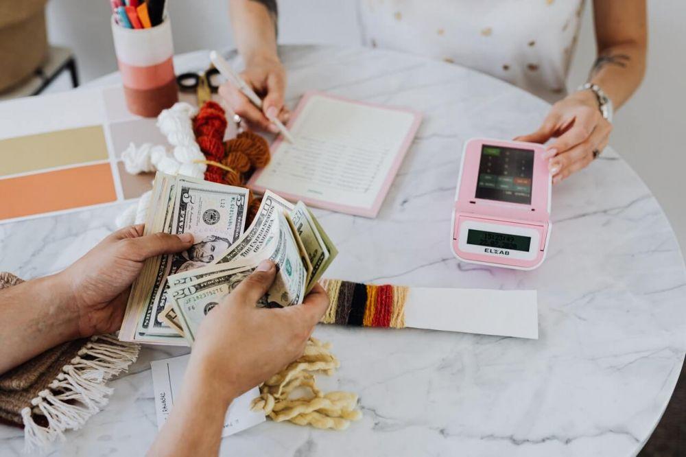 5 Tips Kelola Keuangan yang Baik, Pasti Jadi Istri Kebanggaan Suami