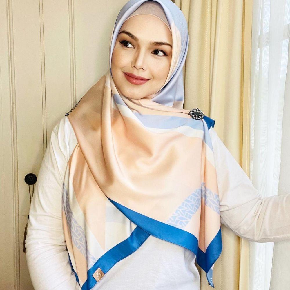 Makin Berseri, 10 Potret Penyanyi Siti Nurhaliza Setelah Melahirkan