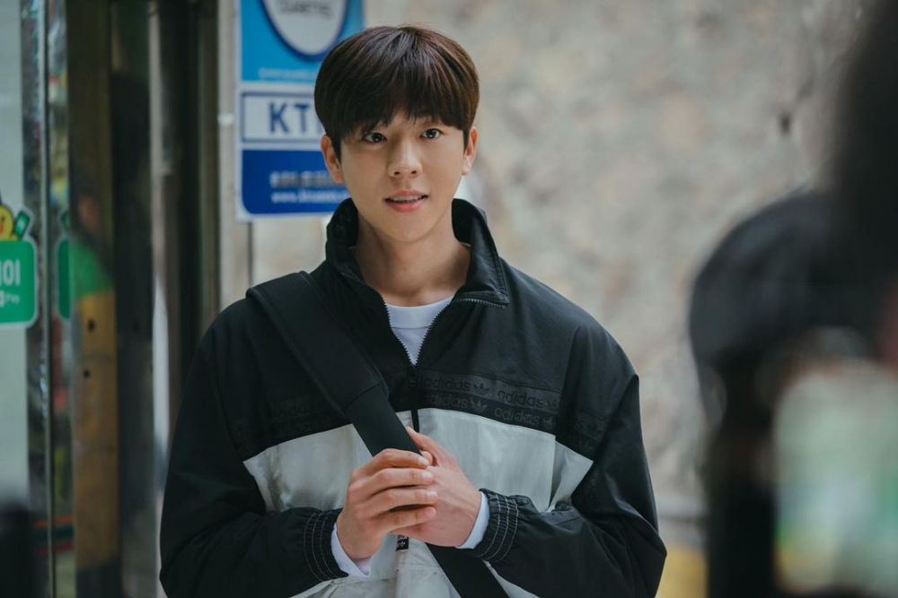 10 Adu Peran Chae Jong Hyeop di Nevertheless vs The Witch's Diner