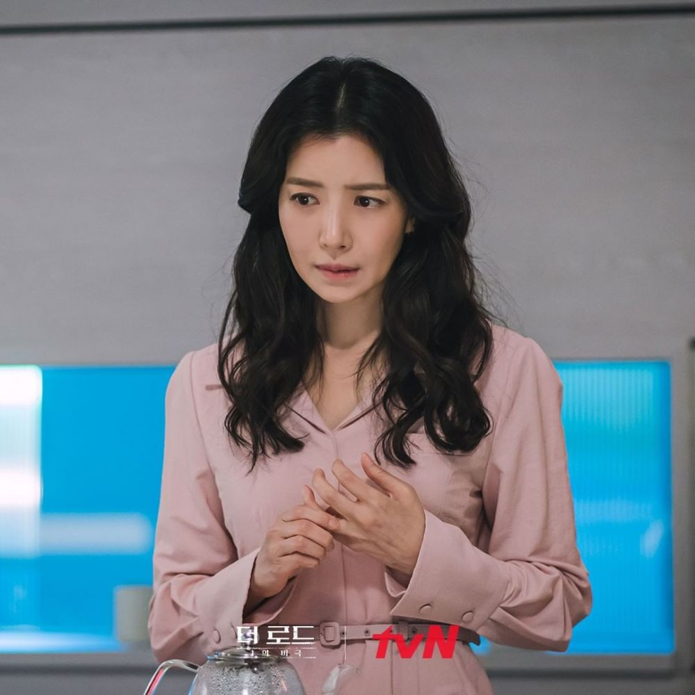 Tayang 4 Agustus, 9 Potret Cuplikan KDrama The Road: Tragedy of One